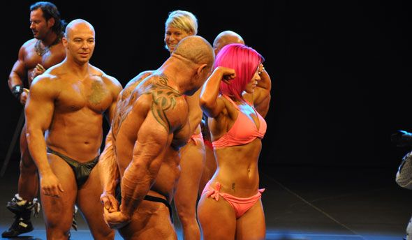 Messe Nikon Solutions Bodybuilder Posing
